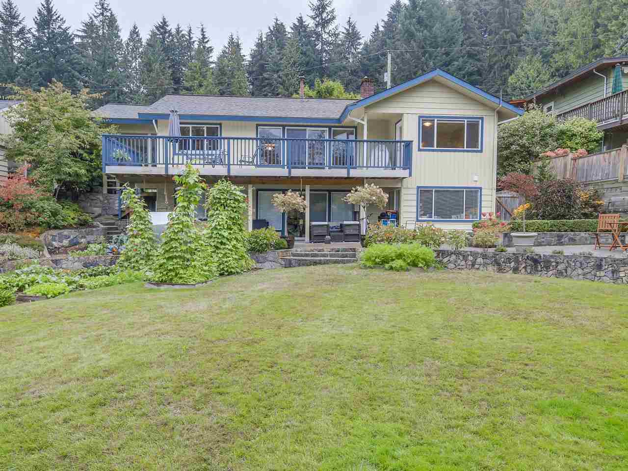 "Main Photo: 907 PROSPECT Avenue in North Vancouver: Canyon Heights NV House for sale in ""Canyon Heights"" : MLS® # R2107669"