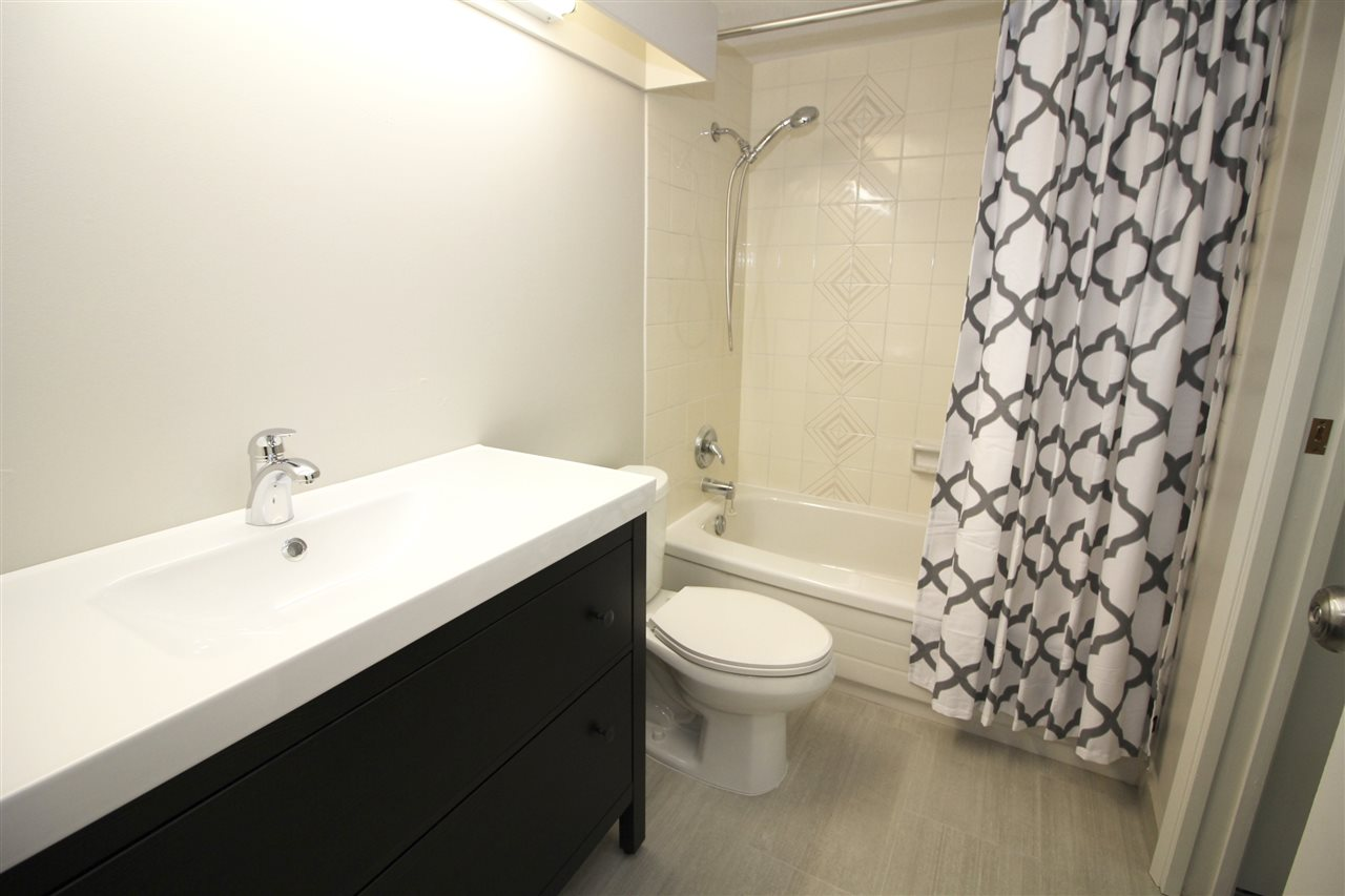 "Photo 9: 404 2041 BELLWOOD Avenue in Burnaby: Brentwood Park Condo for sale in ""ANOLA PLACE"" (Burnaby North)  : MLS® # R2122307"