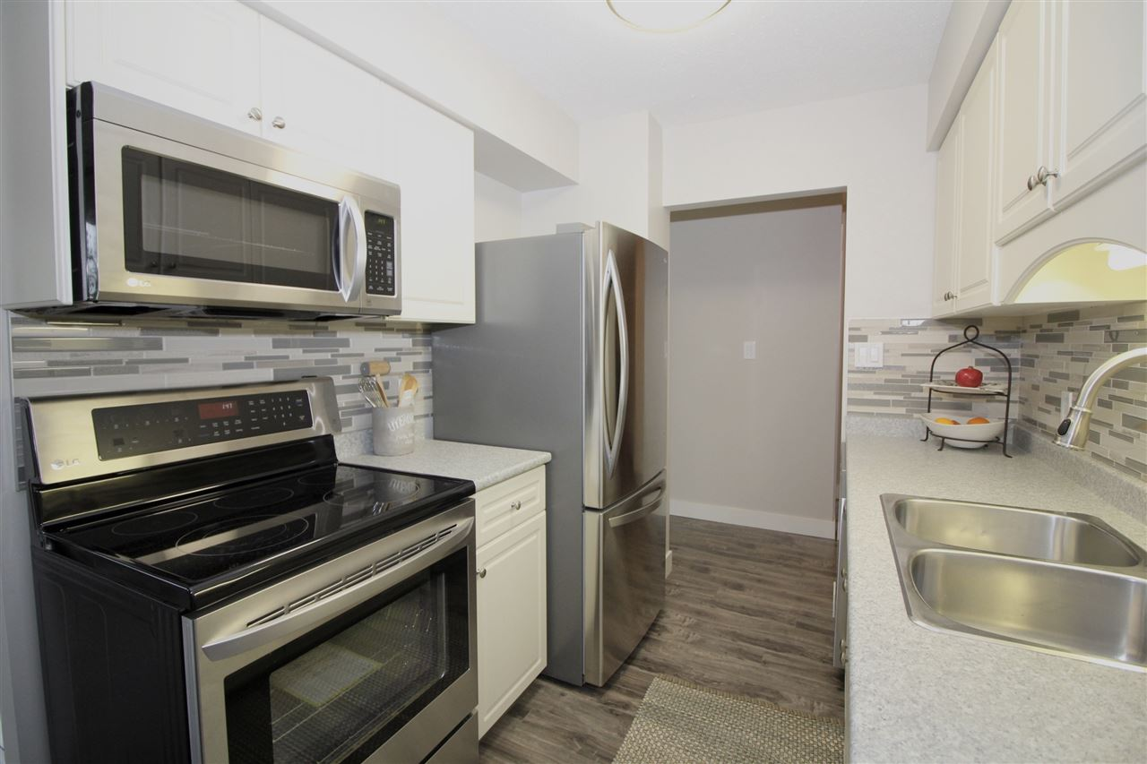 "Photo 3: 404 2041 BELLWOOD Avenue in Burnaby: Brentwood Park Condo for sale in ""ANOLA PLACE"" (Burnaby North)  : MLS® # R2122307"