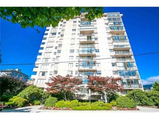 Main Photo: 202 555 13TH Street in West Vancouver: Ambleside Condo for sale : MLS®# R2127449