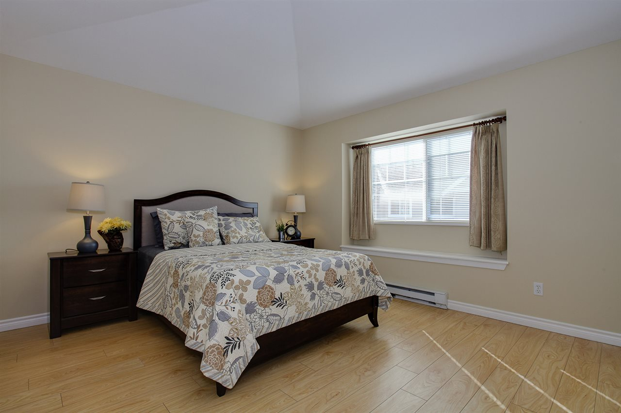 "Photo 10: 12 5988 BLANSHARD Drive in Richmond: Terra Nova Townhouse for sale in ""RIVIERA GARDENS"" : MLS(r) # R2141105"