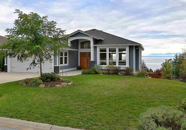Main Photo: 6395 PICADILLY Place in Sechelt: Sechelt District House for sale (Sunshine Coast)  : MLS® # R2141559