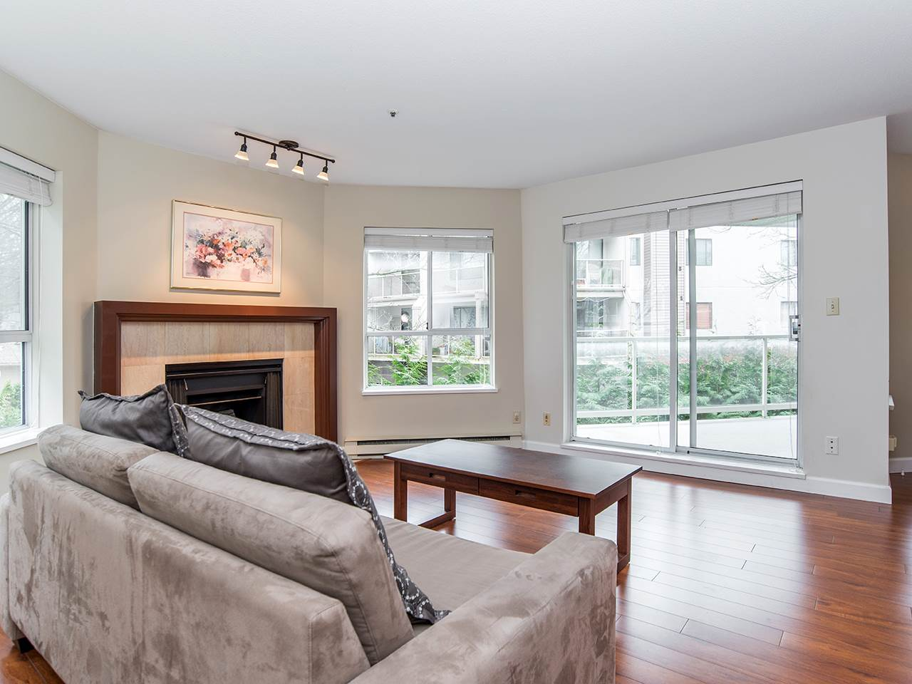 "Photo 6: 110 8651 ACKROYD Road in Richmond: Brighouse Condo for sale in ""The Cartier"" : MLS® # R2152253"
