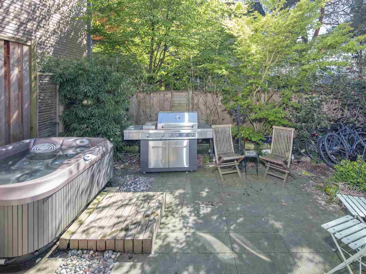 Photo 17: 840 DUNLEVY Avenue in Vancouver: Mount Pleasant VE House for sale (Vancouver East)  : MLS(r) # R2159141