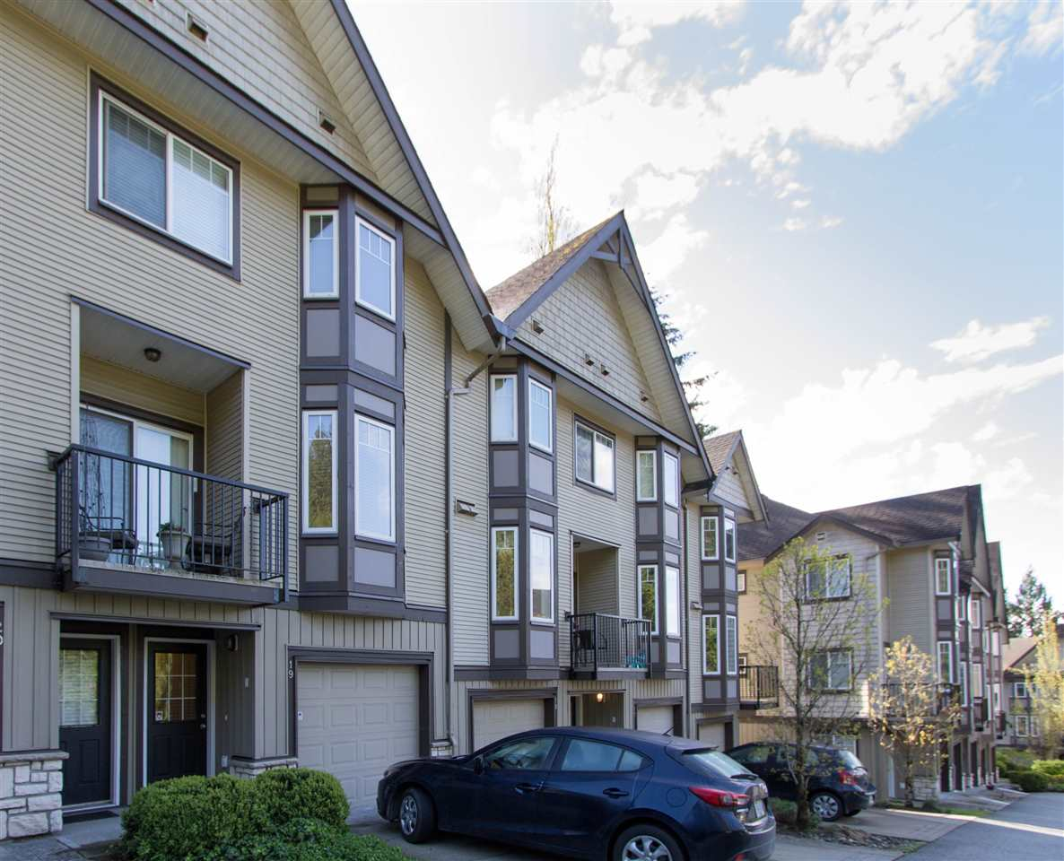 "Main Photo: 19 32501 FRASER Crescent in Mission: Mission BC Townhouse for sale in ""FRASER LANDING"" : MLS(r) # R2164977"