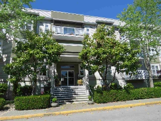"Main Photo: 307 4738 53 Street in Delta: Delta Manor Condo for sale in ""SUNNINGDALE ESTATES"" (Ladner)  : MLS(r) # R2169328"