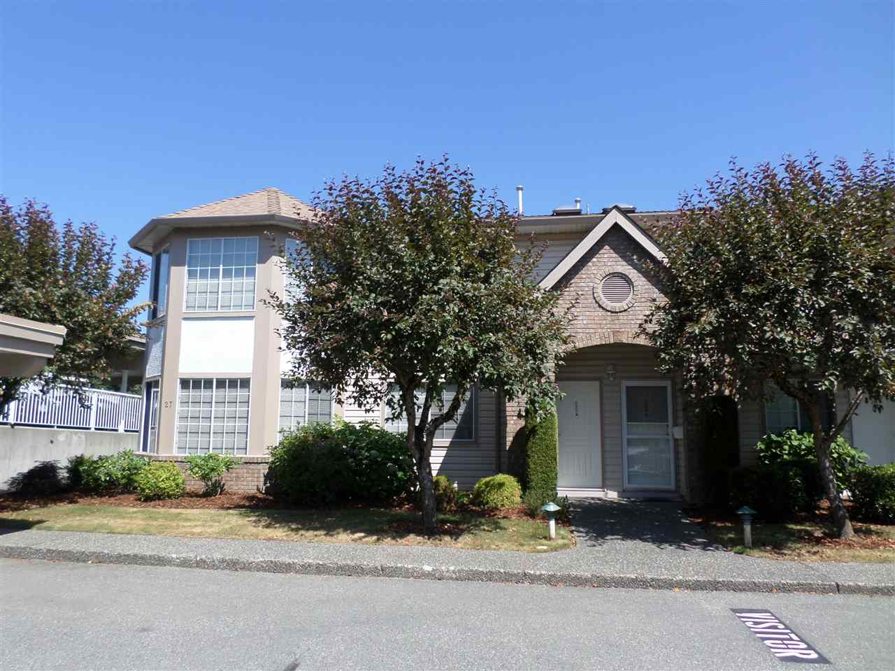 "Main Photo: 28 3110 TRAFALGAR Street in Abbotsford: Central Abbotsford Townhouse for sale in ""Northview Properties"" : MLS® # R2191985"