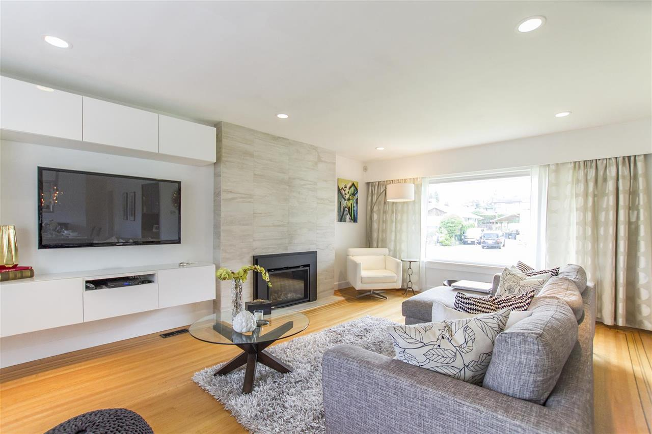Photo 6: 340 VALOUR DRIVE in Port Moody: College Park PM House for sale : MLS® # R2185801
