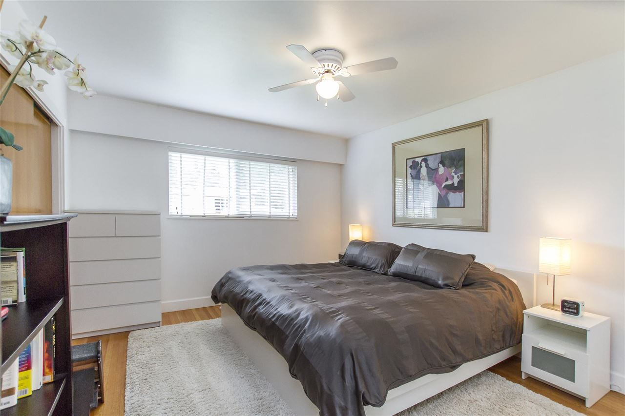 Photo 10: 340 VALOUR DRIVE in Port Moody: College Park PM House for sale : MLS® # R2185801