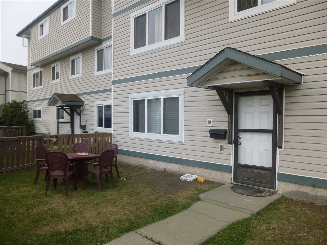 Main Photo: 1416 LAKEWOOD Road W in Edmonton: Zone 29 Carriage for sale : MLS® # E4080791