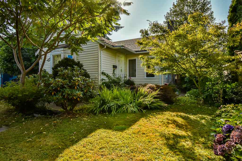 Main Photo: 10333 141 Street in Surrey: Whalley House for sale (North Surrey)  : MLS® # R2202598