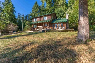 Main Photo: 8034 REDROOFFS Road in Halfmoon Bay: Halfmn Bay Secret Cv Redroofs House for sale (Sunshine Coast)  : MLS®# R2205905