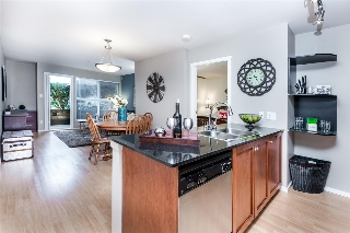 "Main Photo: 207 415 E COLUMBIA Street in New Westminster: Sapperton Condo for sale in ""SAN MARINO"" : MLS® # R2208852"