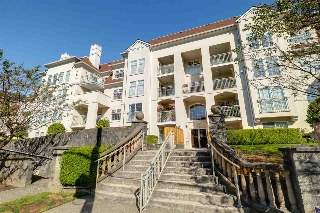 "Main Photo: 309 1655 GRANT Avenue in Port Coquitlam: Glenwood PQ Condo for sale in ""The Benton"" : MLS® # R2209084"