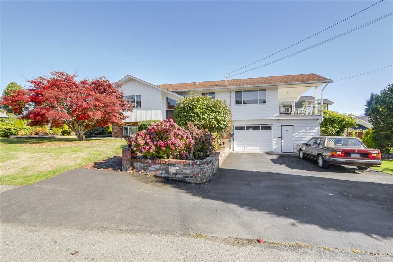 Main Photo: 14264 PARK Avenue: White Rock House for sale (South Surrey White Rock)  : MLS® # R2214766