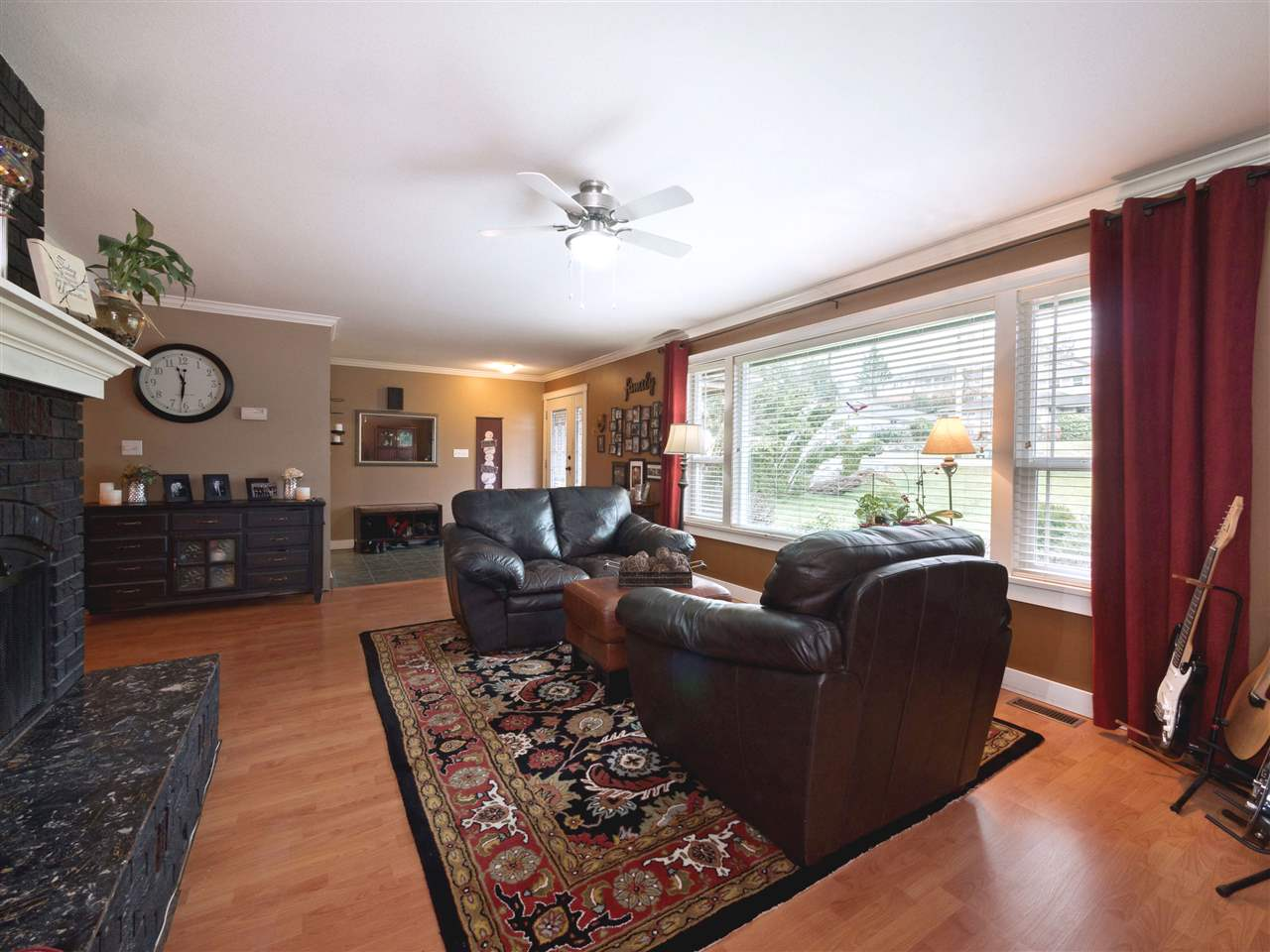 Photo 10: Photos: 33157 CHERRY Avenue in Mission: Mission BC House for sale : MLS® # R2236874