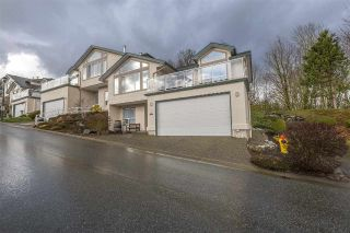 "Main Photo: 46 8590 SUNRISE Drive in Chilliwack: Chilliwack Mountain Townhouse for sale in ""Maple Hills"" : MLS® # R2238305"