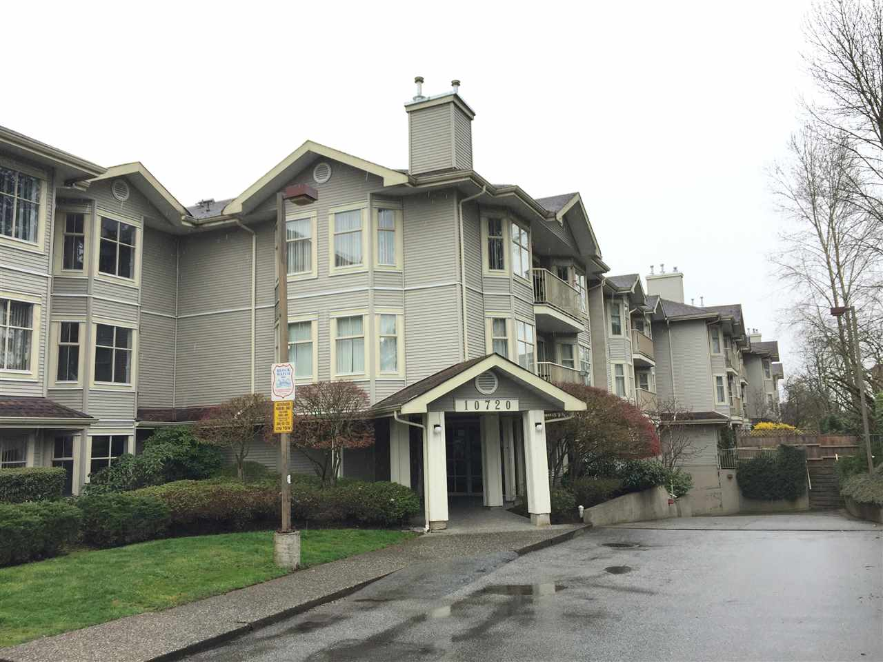 "Main Photo: 106 10720 138 Street in Surrey: Whalley Condo for sale in ""Vista Ridge"" (North Surrey)  : MLS®# R2253668"