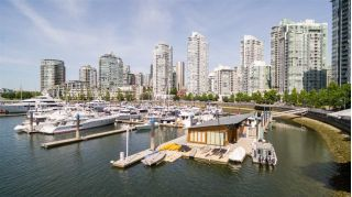 "Main Photo: 100 1088 MARINASIDE Crescent in Vancouver: Yaletown Home for sale in ""FALSE CREEK HARBOUR"" (Vancouver West)  : MLS®# R2271066"