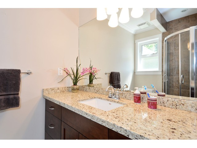 "Photo 16: 15690 GOGGS Avenue: White Rock House for sale in ""White Rock"" (South Surrey White Rock)  : MLS® # F1443807"