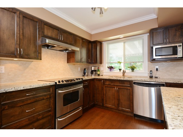 "Photo 13: 15690 GOGGS Avenue: White Rock House for sale in ""White Rock"" (South Surrey White Rock)  : MLS® # F1443807"