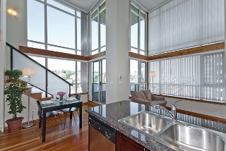 "Main Photo: 522 10 RENAISSANCE Square in New Westminster: Quay Condo for sale in ""MURANO LOFTS"" : MLS(r) # R2030336"