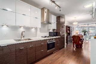 "Main Photo: 121 1777 W 7TH Avenue in Vancouver: Fairview VW Condo for sale in ""KITS360"" (Vancouver West)  : MLS(r) # R2063972"
