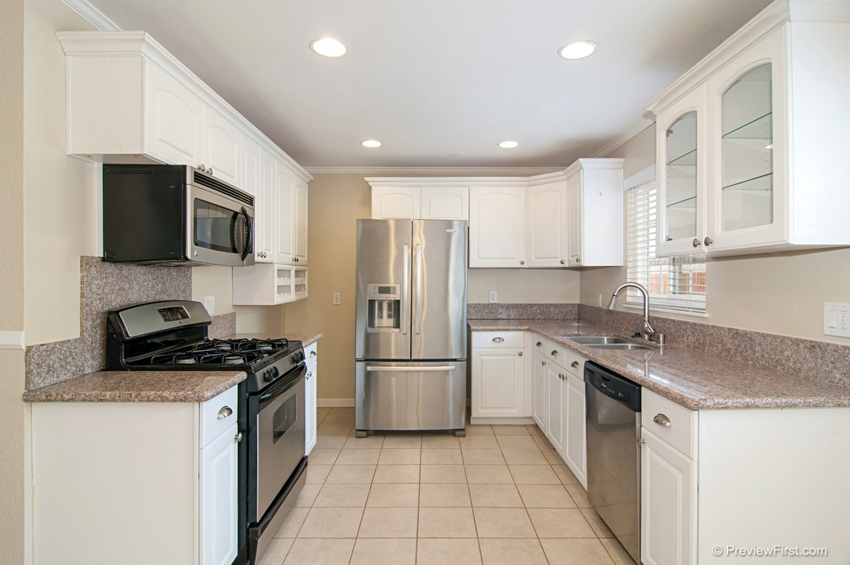 Photo 8: ENCANTO House for sale : 3 bedrooms : 5843 DULUTH AVENUE in San Diego