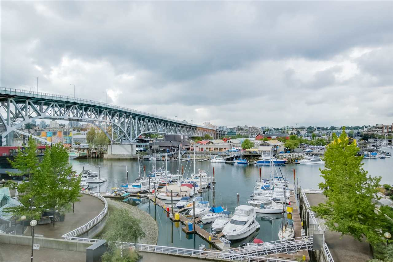 Main Photo: 501 1501 HOWE Street in Vancouver: Yaletown Condo for sale (Vancouver West)  : MLS® # R2080951