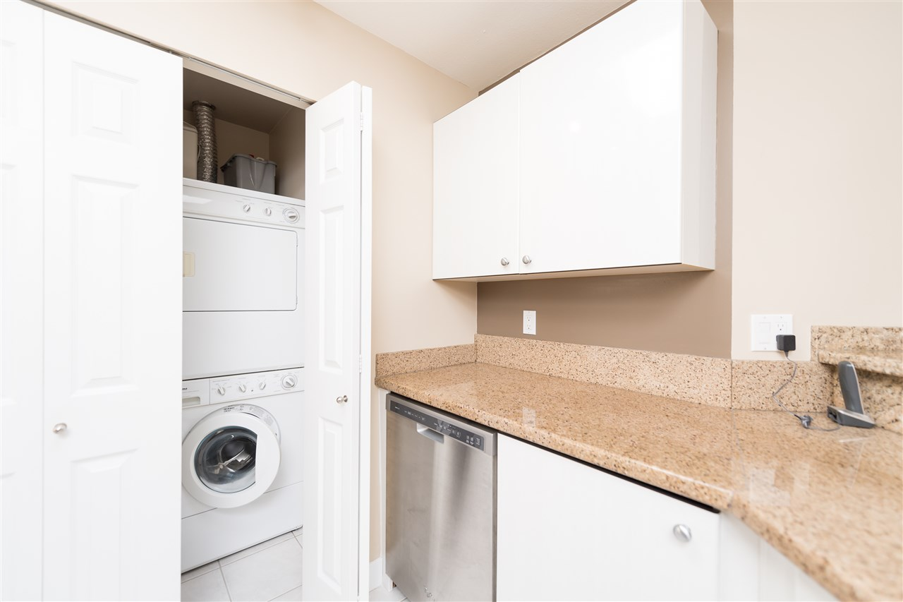 "Photo 8: 511 150 W 22 Street in North Vancouver: Central Lonsdale Condo for sale in ""The Sierra"" : MLS® # R2094681"