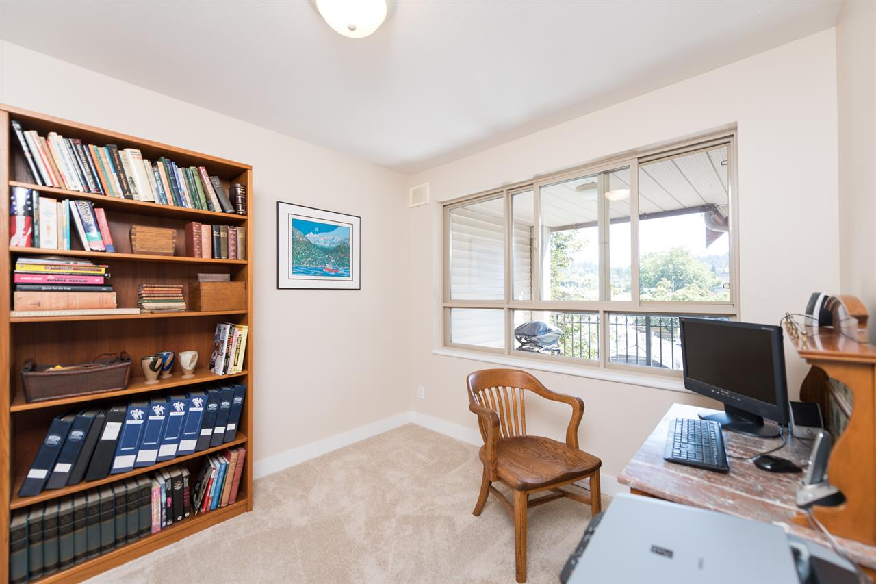 "Photo 14: 511 150 W 22 Street in North Vancouver: Central Lonsdale Condo for sale in ""The Sierra"" : MLS® # R2094681"