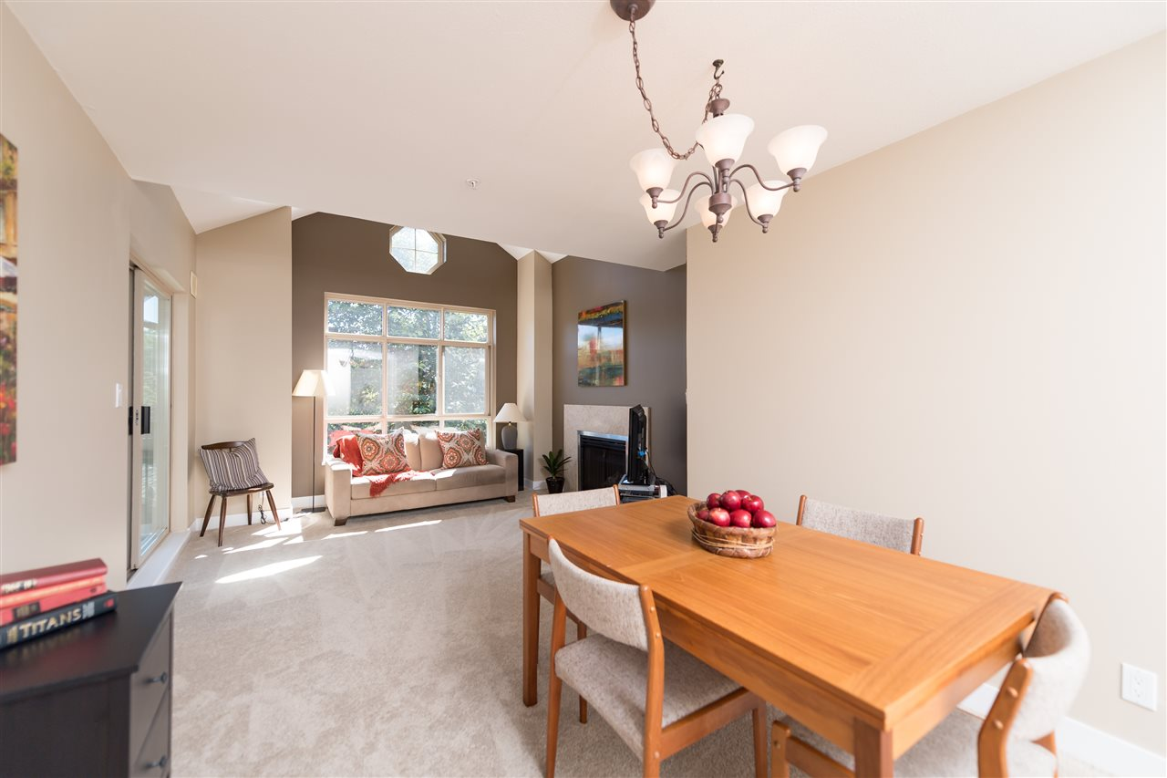 "Photo 5: 511 150 W 22 Street in North Vancouver: Central Lonsdale Condo for sale in ""The Sierra"" : MLS® # R2094681"