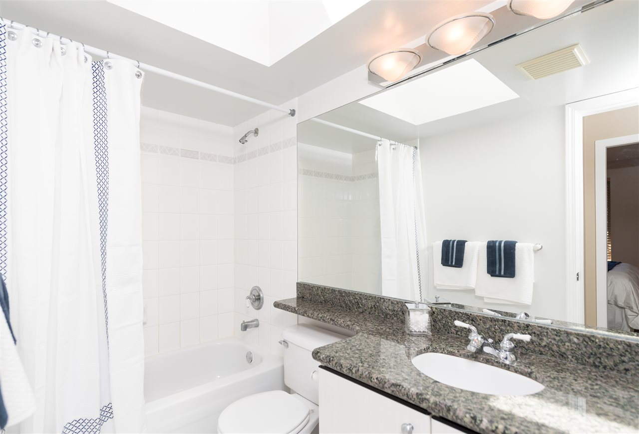"Photo 12: 511 150 W 22 Street in North Vancouver: Central Lonsdale Condo for sale in ""The Sierra"" : MLS® # R2094681"