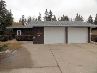 Main Photo: 12220 ASPEN Drive W in Edmonton: Zone 16 House for sale : MLS(r) # E4058267
