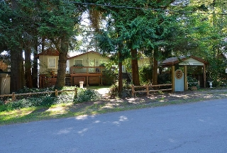 Main Photo: 4495 STALASHEN Drive in Sechelt: Sechelt District House for sale (Sunshine Coast)  : MLS® # R2178351