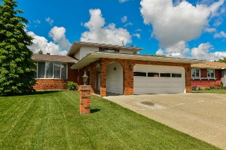 Main Photo: 8408 181A Street in Edmonton: Zone 20 House for sale : MLS(r) # E4069368