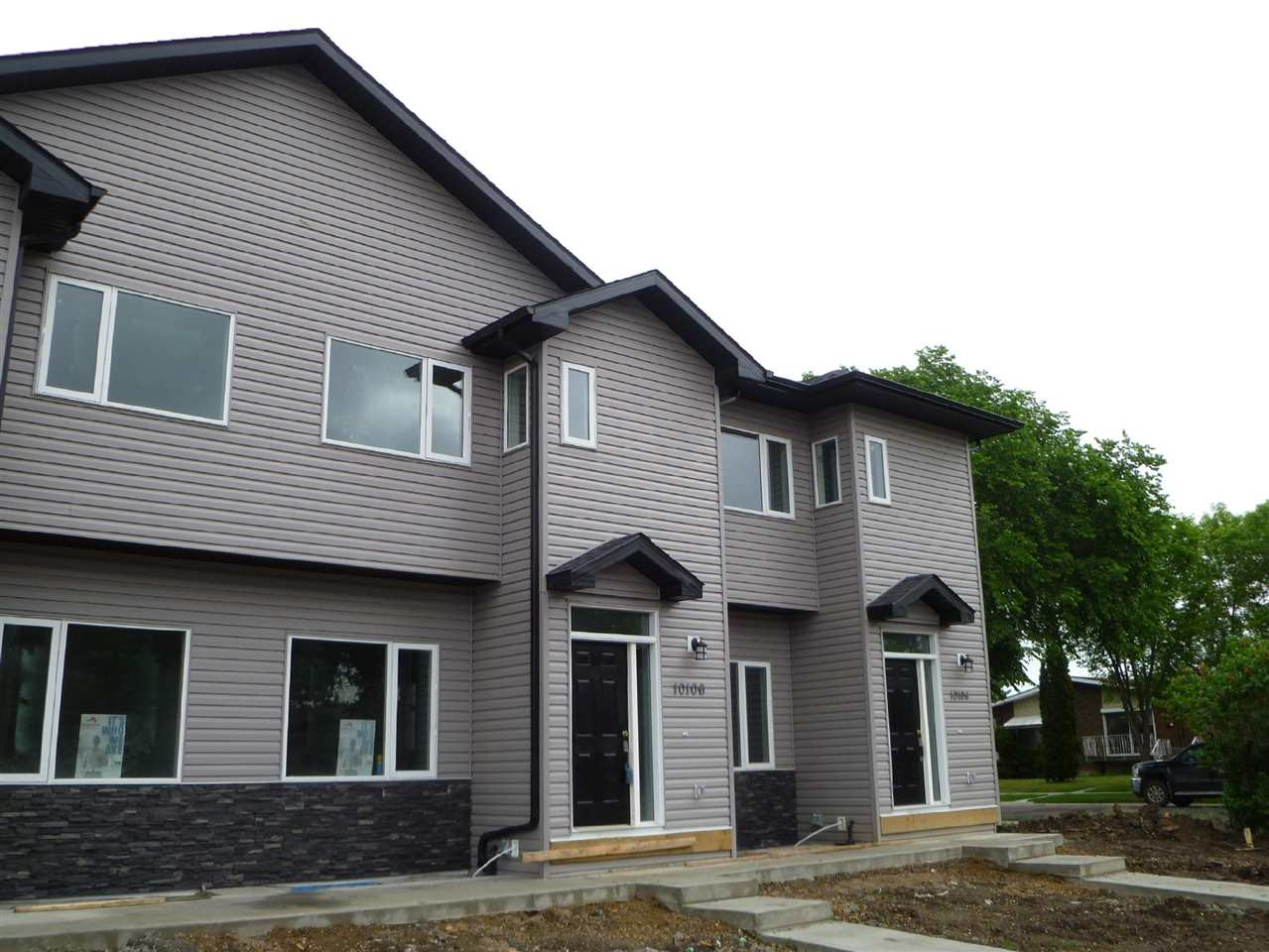 Photo 2:  in Edmonton: Zone 08 Townhouse for sale : MLS(r) # E4069782