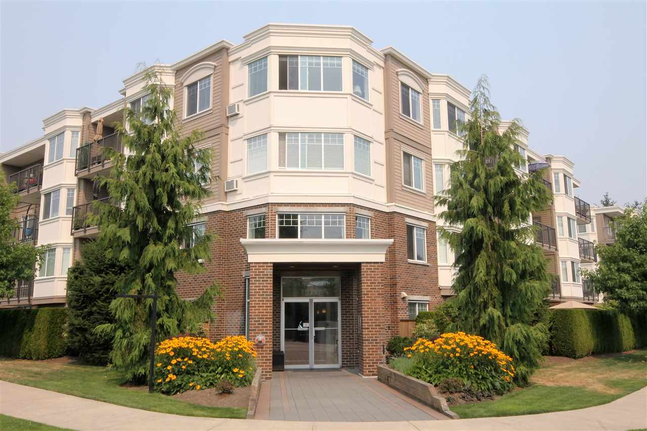 "Main Photo: 309 15357 ROPER Avenue: White Rock Condo for sale in ""Regency Court"" (South Surrey White Rock)  : MLS®# R2194611"