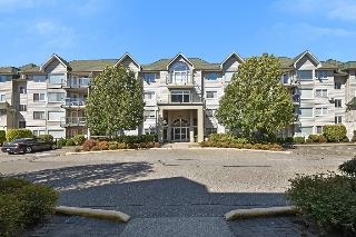 "Main Photo: 406 33688 KING Road in Abbotsford: Poplar Condo for sale in ""College Park"" : MLS®# R2199460"