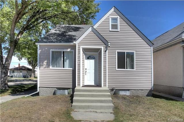 Main Photo: 231 Martin Avenue in Winnipeg: Elmwood Residential for sale (3A)  : MLS® # 1723134