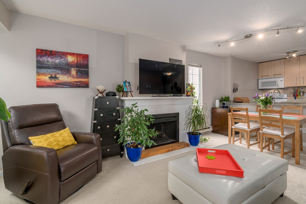 "Photo 3: Photos: 307 1386 W 73RD Avenue in Vancouver: Marpole Condo for sale in ""PARKSIDE 73"" (Vancouver West)  : MLS®# R2206978"