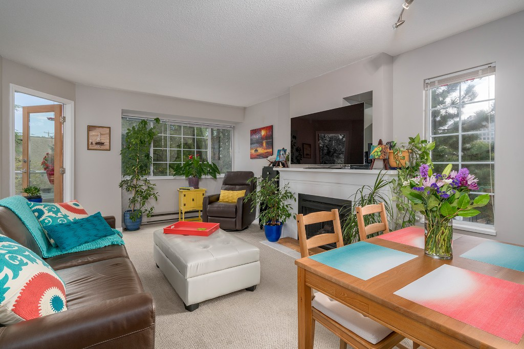 "Photo 1: Photos: 307 1386 W 73RD Avenue in Vancouver: Marpole Condo for sale in ""PARKSIDE 73"" (Vancouver West)  : MLS®# R2206978"