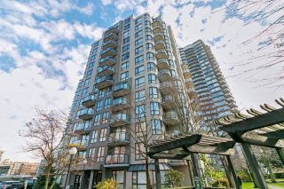 "Main Photo: PH04 828 AGNES Street in New Westminster: Downtown NW Condo for sale in ""WESTMINSTER TOWERS"" : MLS® # R2224794"