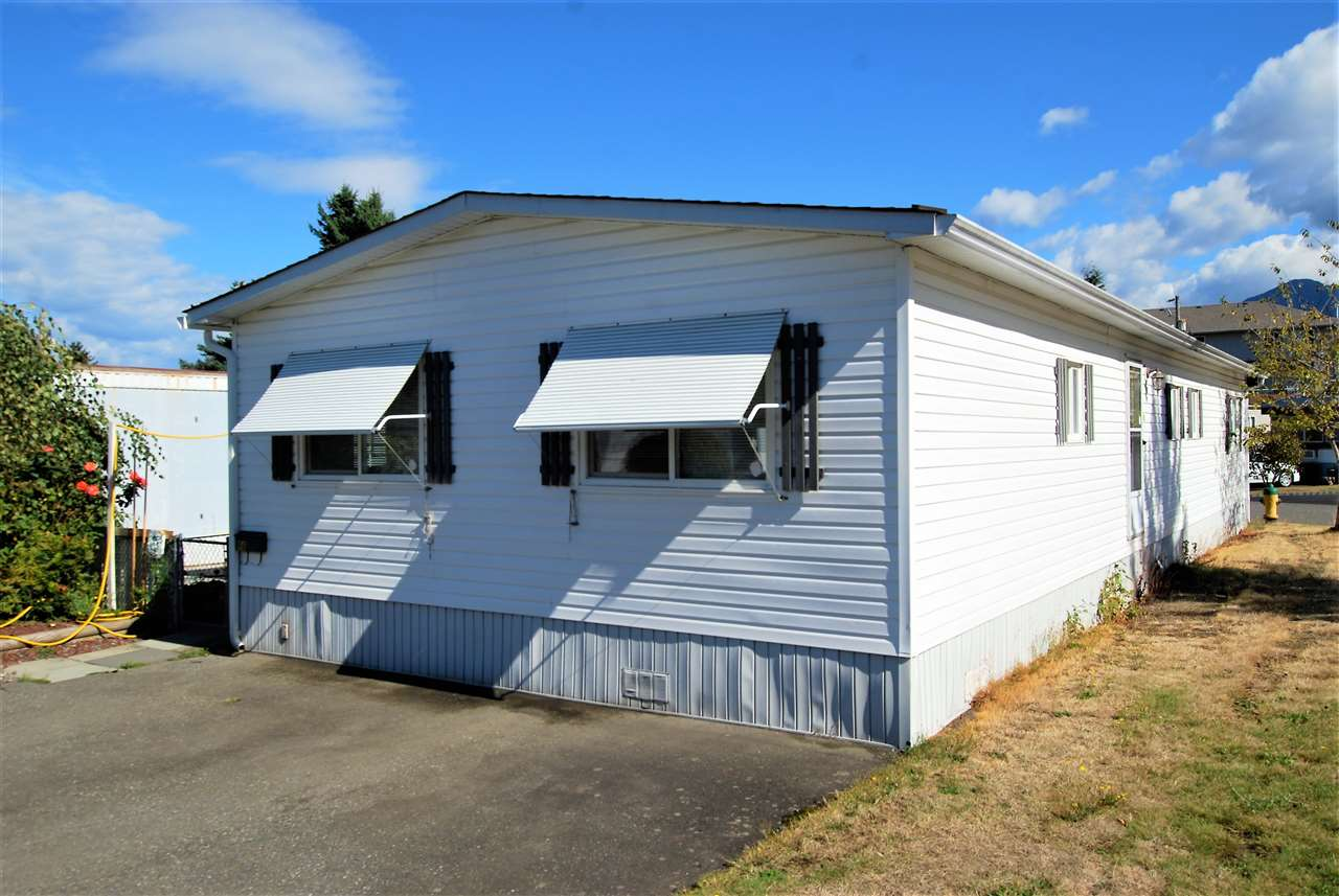 "Main Photo: 96 45640 WATSON Road in Chilliwack: Vedder S Watson-Promontory Manufactured Home for sale in ""WESTWOOD"" (Sardis)  : MLS® # R2229580"