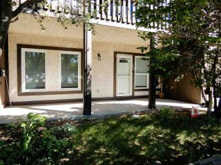 Main Photo: 126 SURREY Gardens NW in Edmonton: Zone 20 Townhouse for sale : MLS® # E4101073