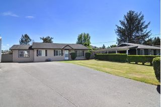 Main Photo: 17952 SHANNON Place in Surrey: Cloverdale BC House for sale (Cloverdale)  : MLS®# R2273228