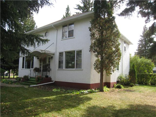Main Photo: 213 Macleod Avenue West in DAUPHIN: Manitoba Other Residential for sale : MLS® # 1120851