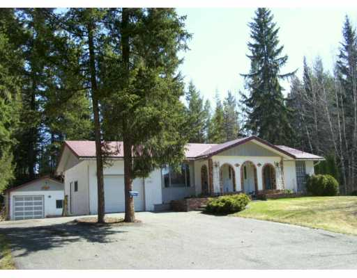 "Main Photo: 3312 RIVERVIEW Road in Prince George: Nechako Bench House for sale in ""NECHAKO BENCH"" (PG City North (Zone 73))  : MLS®# N162405"