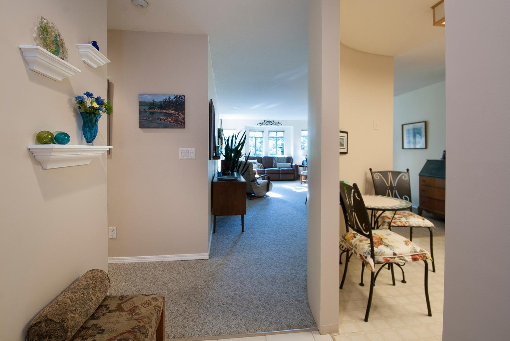 Photo 2: # 416 6735 STATION HILL CT in Burnaby: South Slope Condo for sale (Burnaby South)  : MLS® # V1028021