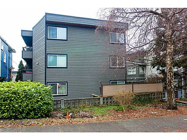"Photo 15: 205 1540 E 4TH Avenue in Vancouver: Grandview VE Condo for sale in ""The Woodlands"" (Vancouver East)  : MLS(r) # V1042879"